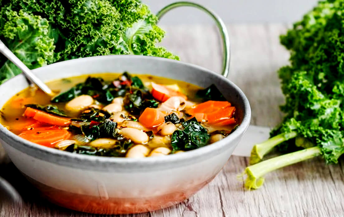 Benefits of Eating Kale Soup, Chips